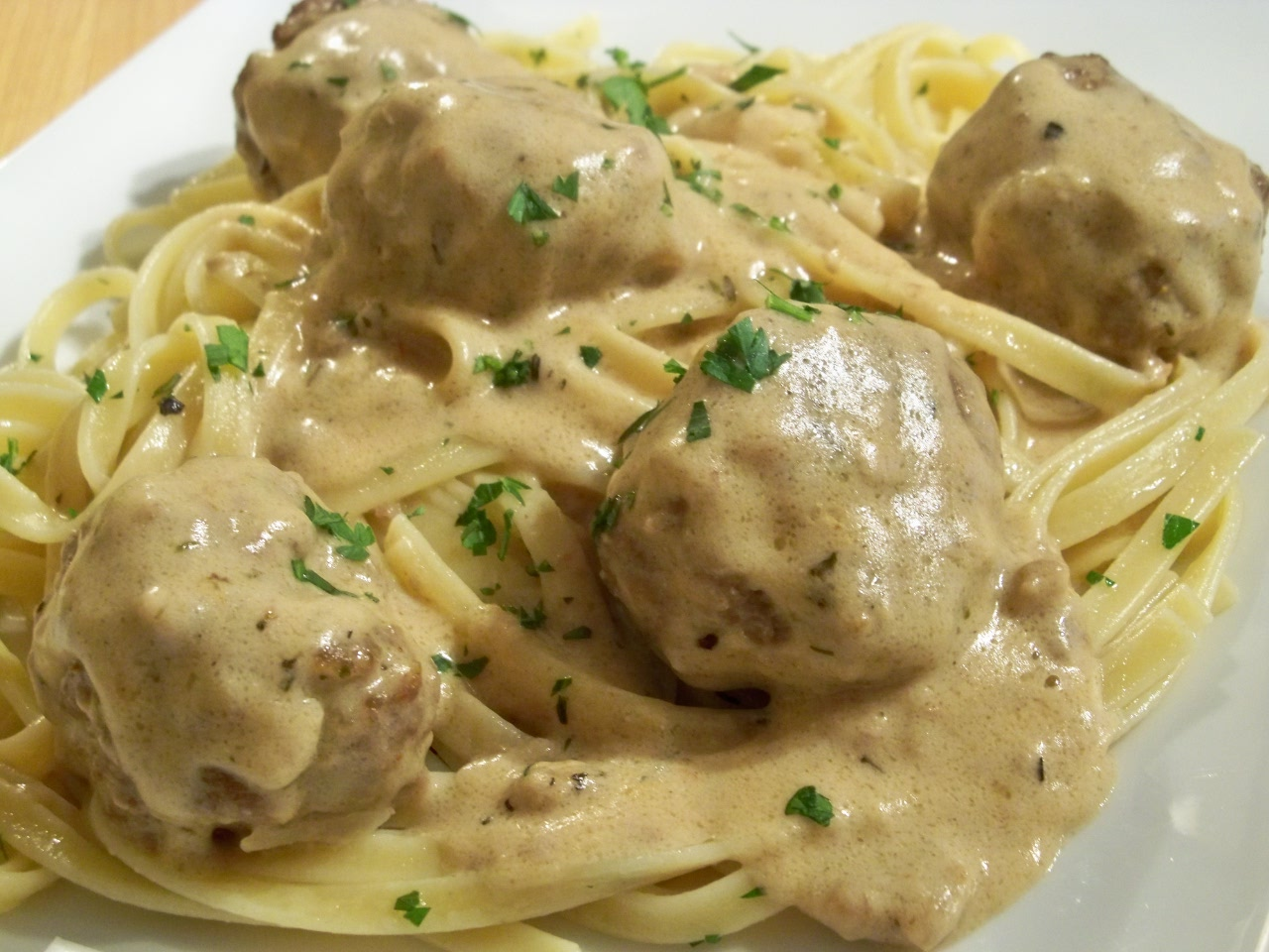 Jun 18, · If you've tried this Swedish meatballs with sour cream sauce or any other recipe on the blog, I'd love the hear what you thought about it in the comments below. I love hearing from you! I love hearing from you!5/5(12).