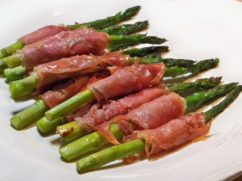 Christmas Evening 046 1024x768 Prosciutto Wrapped Asparagus